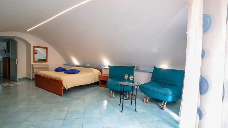 La Mostra Boutique Apartment, vacation rental in Maiori