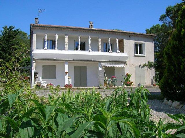 Agreable appartement  de 100m2 en RDC, holiday rental in Cannes-et-Clairan