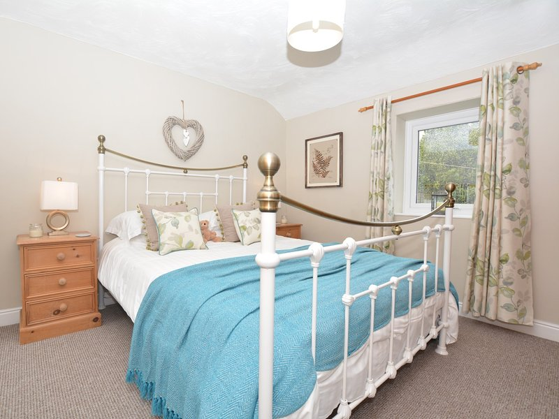 Beautiful light and bright king-size bedroom