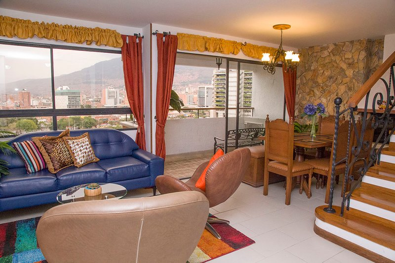 『Just Like Home ♥ Fully Equipped For 6 ✨, vacation rental in Medellin