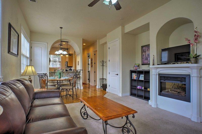 Este maravilloso condominio pronto sentirá como en su hogar lejos de casa.