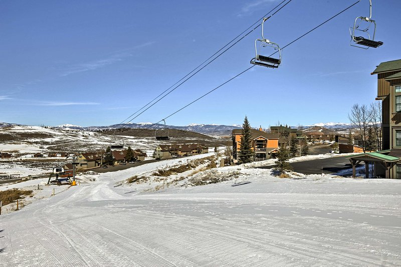 The perfect getaway for ski-lovers, the Granby Ranch slopes are your backyard.