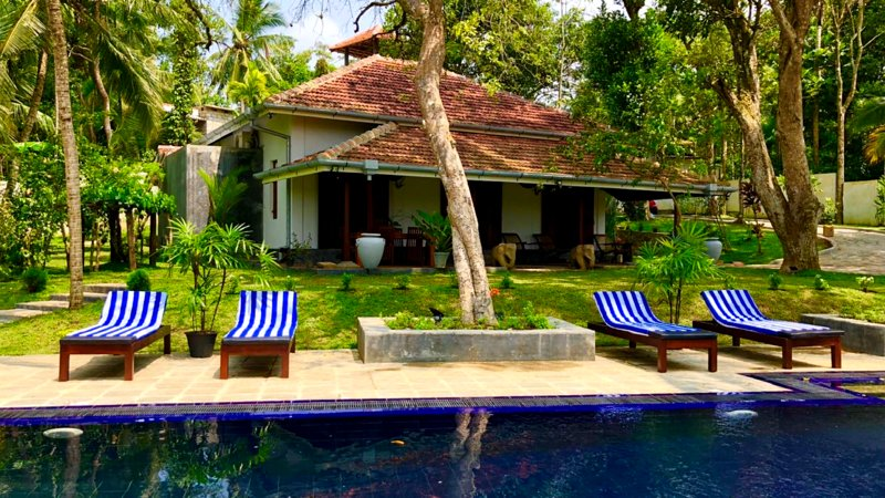 Enjoy the best of Sri Lanka in this charming colonial villa with its own gardens and infinity pool.