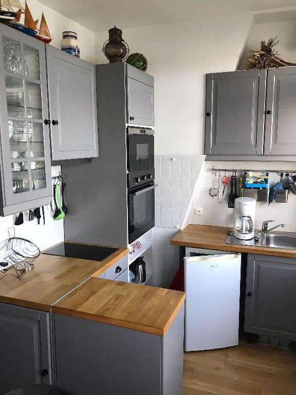 Fully equipped kitchen, many utensils