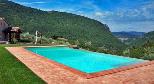 Villa Piantoni Infinity Pool