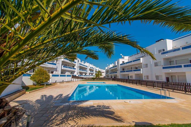 Residence Apartment 2 Bedroom with pool, casa vacanza a Santa Luzia