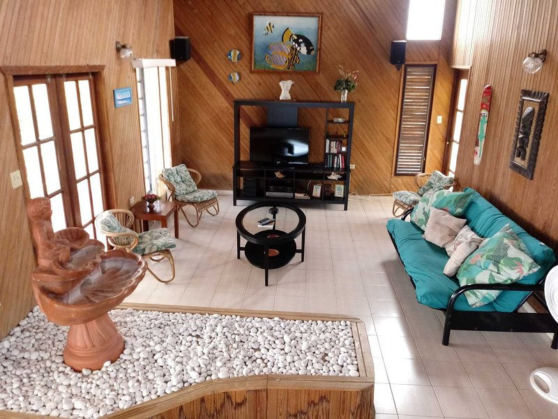 House close to town and beaches, holiday rental in Boqueron