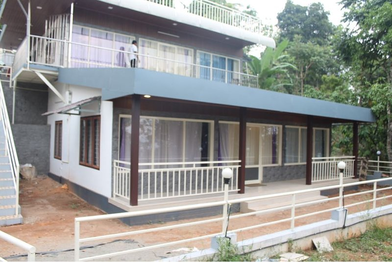 Munnar Hills View Cottage.in a calm and quiet location with great view to enjoy the natural beauty
