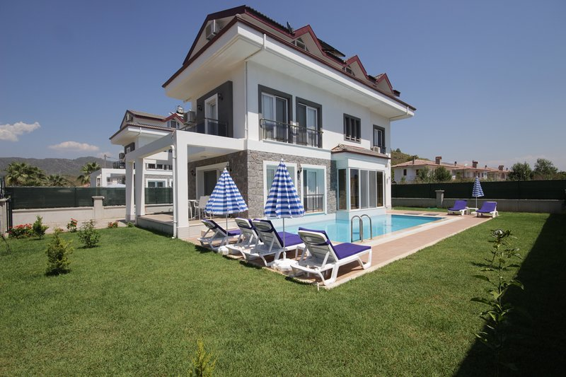 Villa Phoenix - 1, holiday rental in Yaniklar