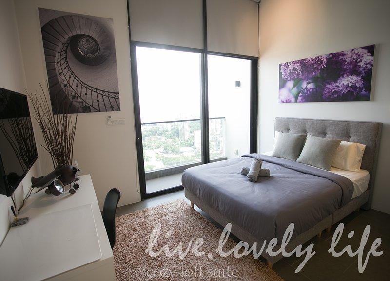 Live.Lovely Life at cozy sky loft studio