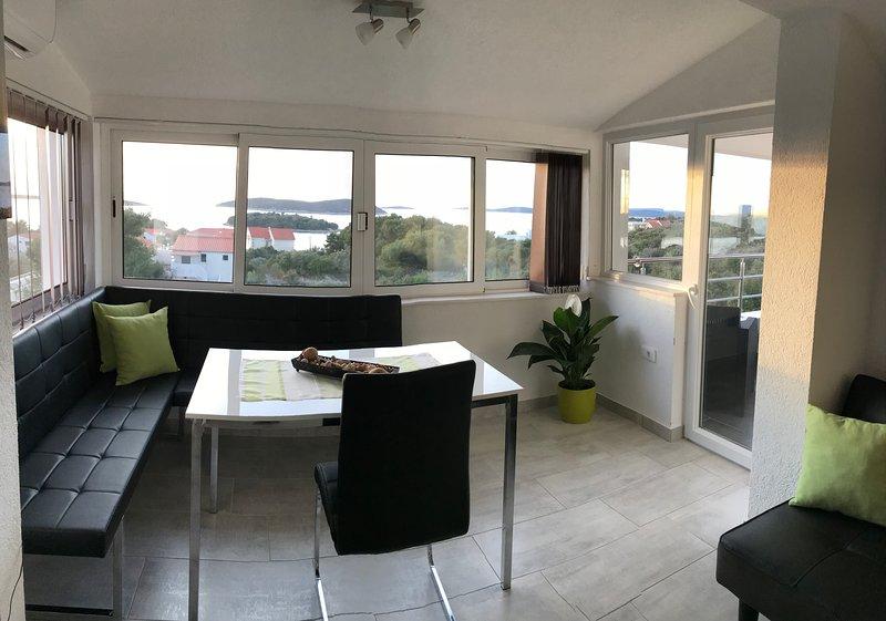 Villa Sonja Apartman 3, vacation rental in Maslinica
