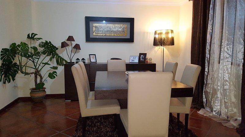 Brown Room, vacation rental in Braga