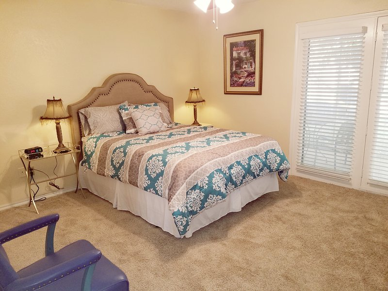 Large Master Bedroom with Queen bed and Flat Screen TV
