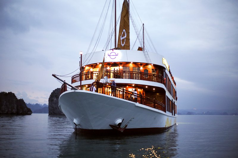 Halong Emperor Cruises, vacation rental in Halong Bay