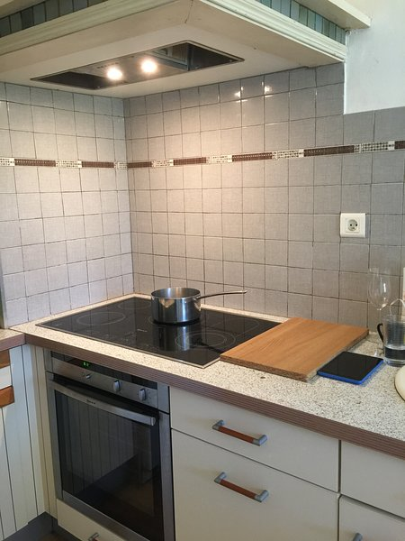 Neff circutherm oven and ceramic hob