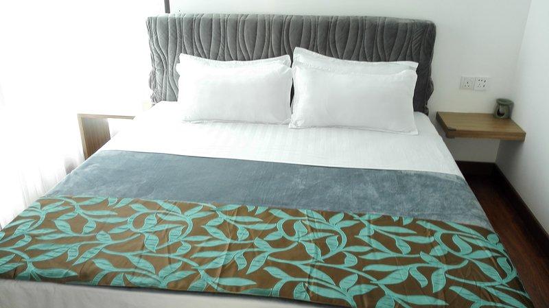 1 letto king-size e 1 divano letto