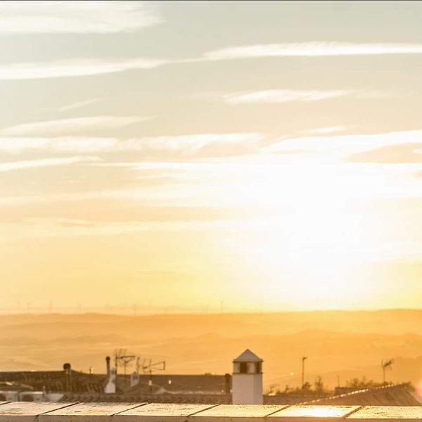 Puesta de sol sobre la Bahía de Cádiz desde la terraza de Los Balcones
