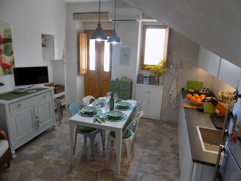 Casa Giglio: Nel cuore della tradizione carlofortina, vakantiewoning in Carloforte