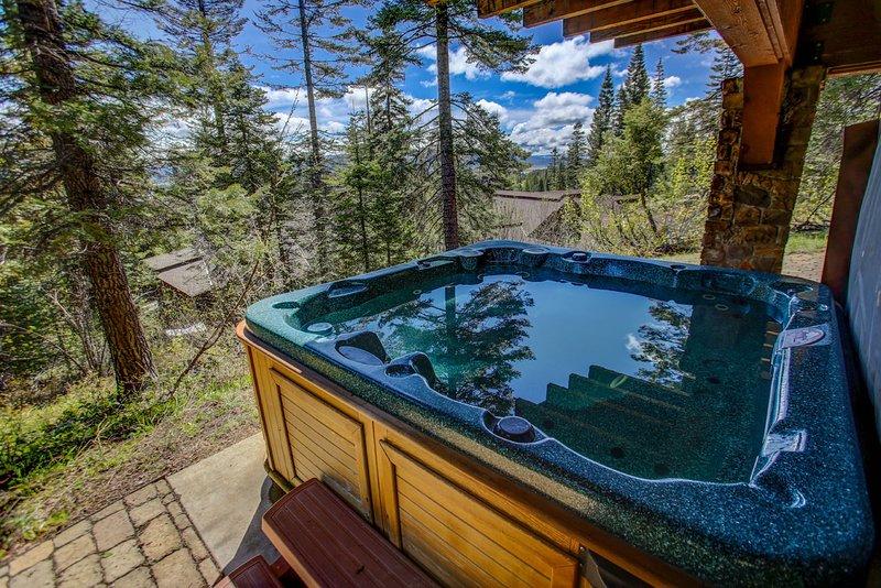 Council 130 - Private hot tub