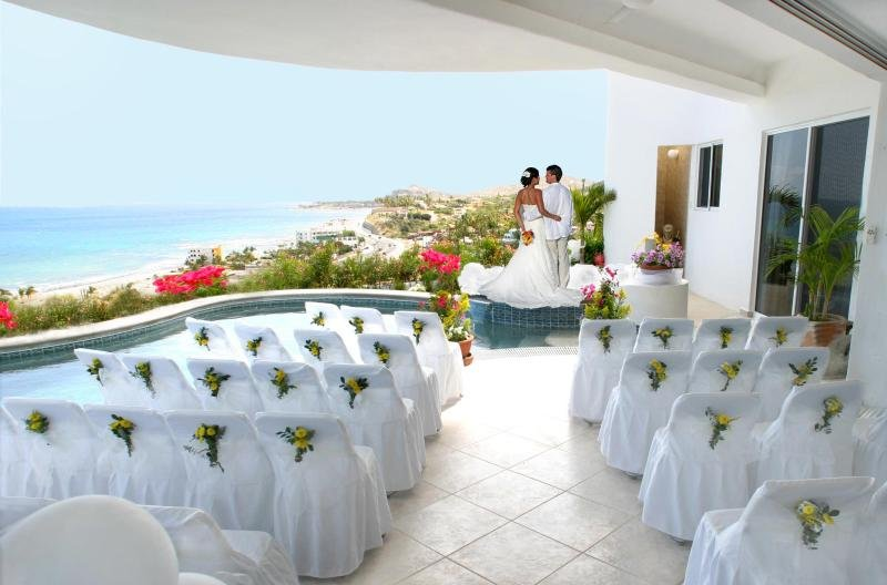 Wedding with seating for over 30 guests.  Catering available.  Ask owners