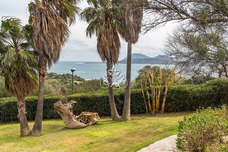 Villa Turtle, Punta Lada, with private beach access.