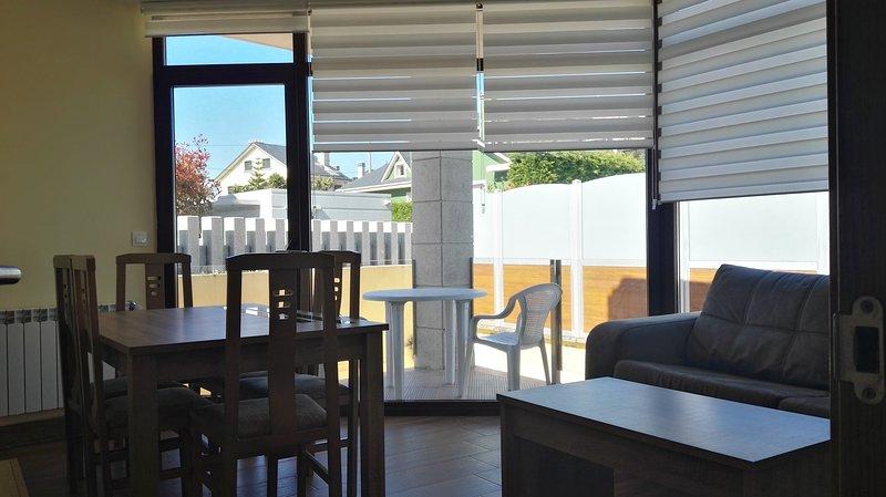 Vivienda de tres dormitorios en primera línea de playa, vakantiewoning in Foz