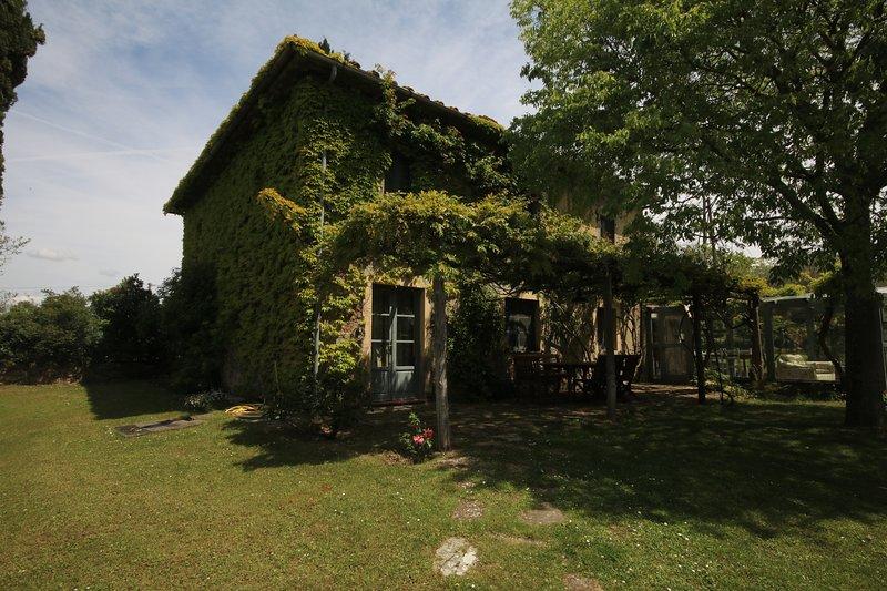 La Vignaccia - Charming tuscan villa with exclusive use pool & garden, alquiler de vacaciones en Pergine Valdarno