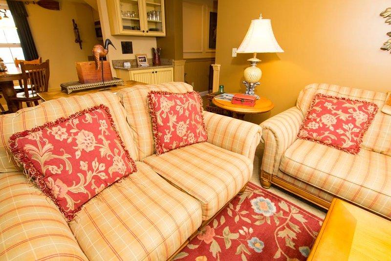 Una cómoda sala de estar para disfrutar durante el viaje. Espacio para relajarse.