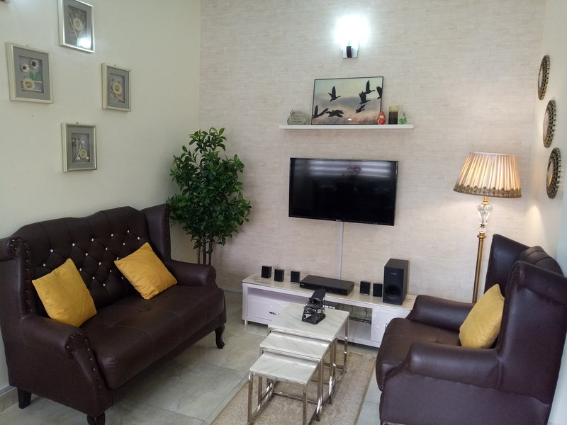 MARYLAND APARTMENTS-  FURNISHED /SERVICED 1 -BD APARTMENT -FULLY FITTED KITCHEN, alquiler de vacaciones en Abuja