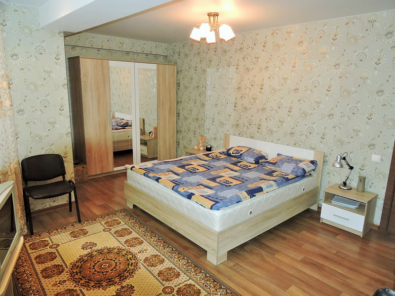 New, Modern Apartment In City Center, holiday rental in Ialoveni District