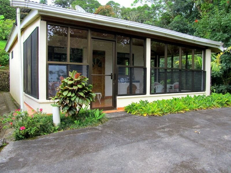 ENCHANTED COTTAGE OF ARENAL SPRINGS VILLAS BY THE LAKE
