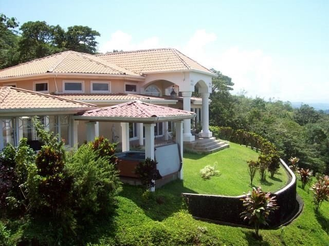 'Casa Grande' Arenal Springs Villas by the Lake...'Our Finest, vacation rental in Nuevo Arenal