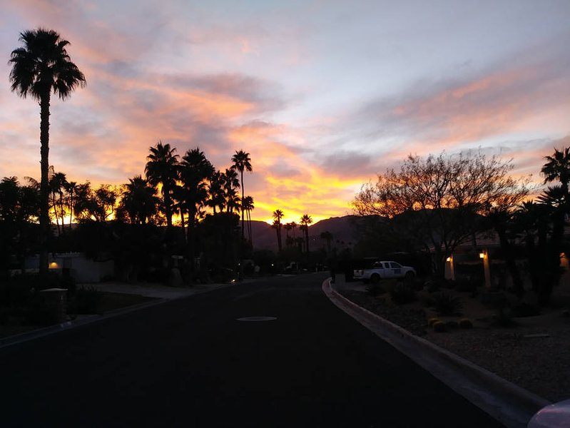 $250 $AVE CA$H RENT MASTER SUITES - COACHELLA FEST, vacation rental in Indian Wells