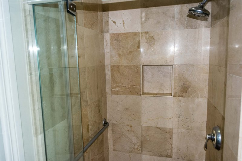 Shower, with disability rails
