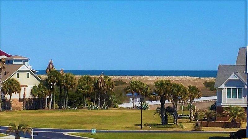 Con vista al mar espectacular desde el balcón en tranquilidad en la playa de Carolina.