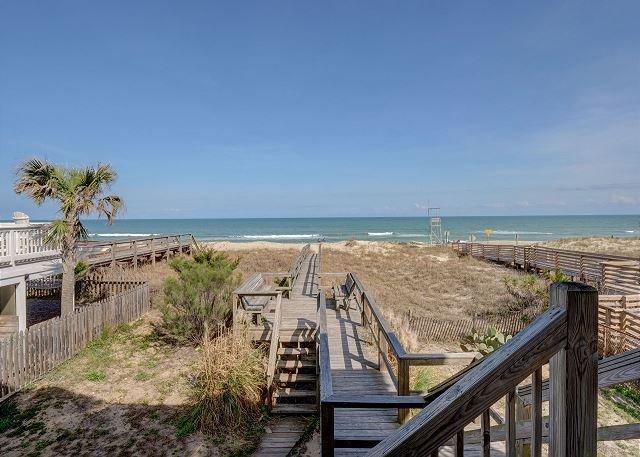 Dolphin View Boardwalk à la plage