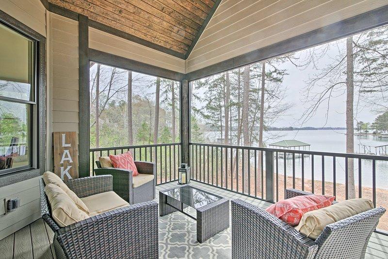 Fuga per il lago e soggiorno in questo 5 camere da letto, a casa 5-bagno Affitto di vacanze!