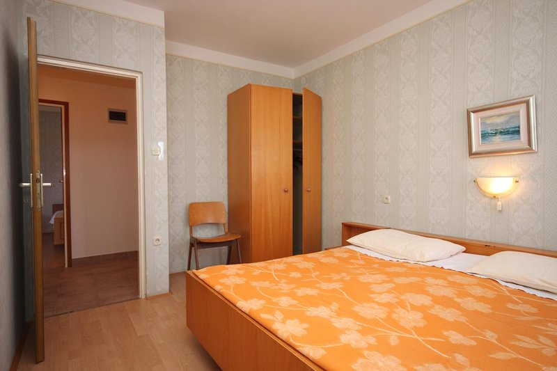 Bedroom 1, Surface: 12 m²