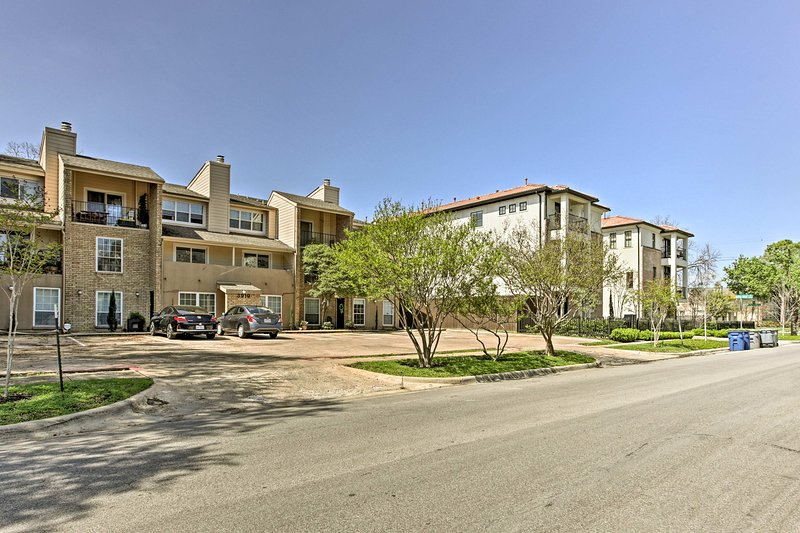 Located in a residential area, this condo is the perfect couple's retreat!