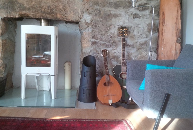 Renovated Croft House 100 metres from Ocean,North Coast 500, Inverewe Gardens., holiday rental in Aultbea