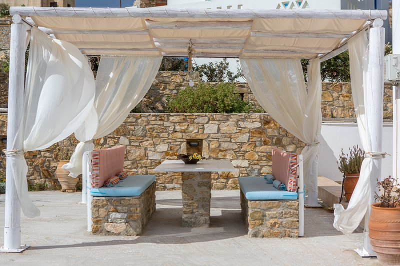 Villa of Roses Naxos, holiday rental in Agkidia