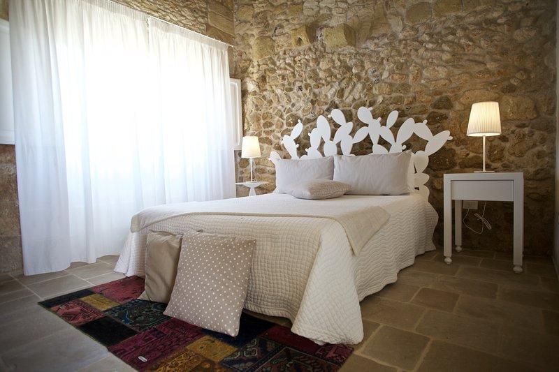 DON AGOSTINO-Camera SICALINDIA, vacation rental in Serrano