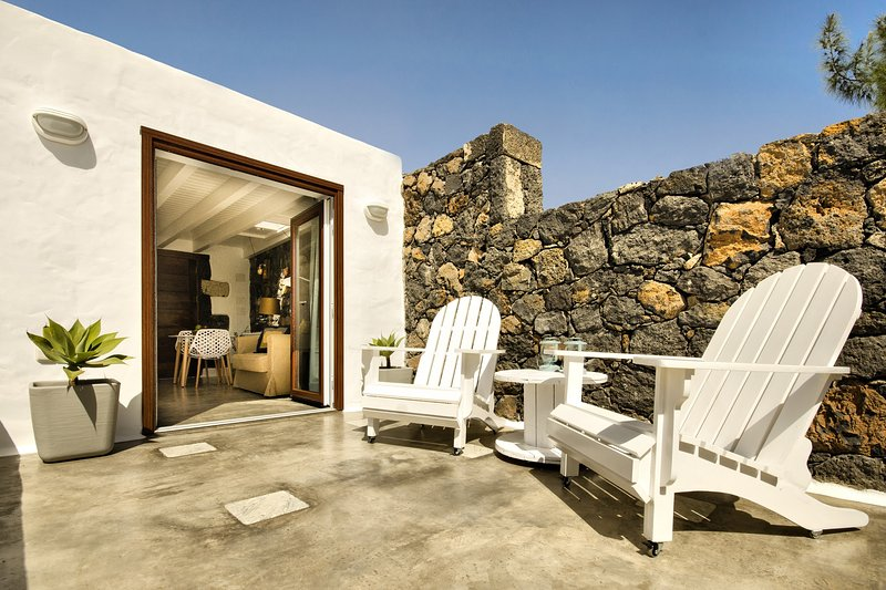 EcoLiving Olivos76, su 'Eco' casita bajo el sol, holiday rental in Tias