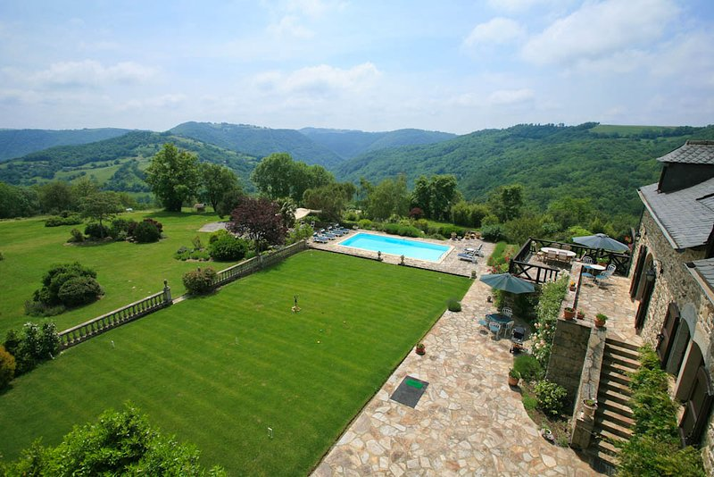 Saint-Andre-de-Najac Villa Sleeps 8 with Pool and WiFi - 5604569, vacation rental in La Fouillade