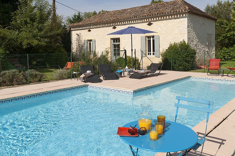 Catus Villa Sleeps 5 with Pool and WiFi - 5604573, location de vacances à Lougratte