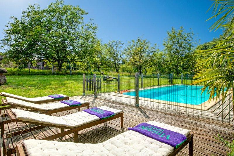 La Borie Blanche Villa Sleeps 8 with Pool and WiFi - 5604581, location de vacances à Saint-Cernin-de-l'Herm