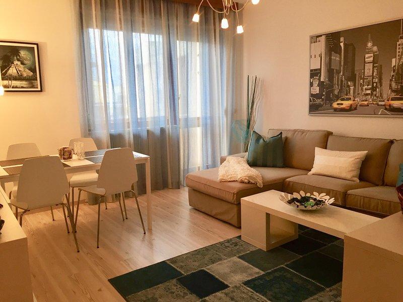 APPARTAMENTO 2 CAMERE TOTALMENTE ARREDATO E RINNOVATO CON TUTTI SERVIZI, vacation rental in Casoni