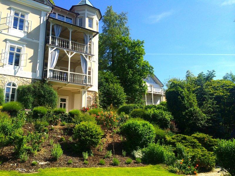 Magnolie - 3 Zimmer Apartment am Wörthersee mit Seezugang, vakantiewoning in Pritschitz