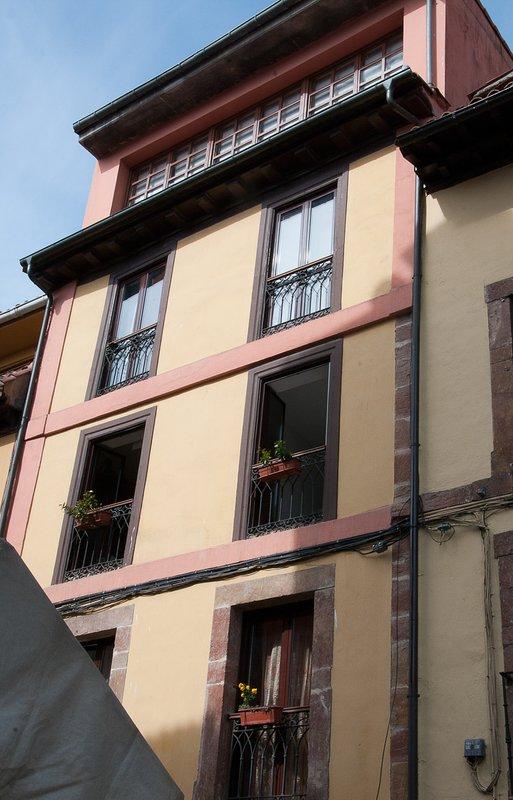 Gebäude datiert