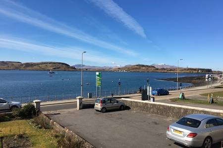 Westbay Seafront Apartment, holiday rental in Oban